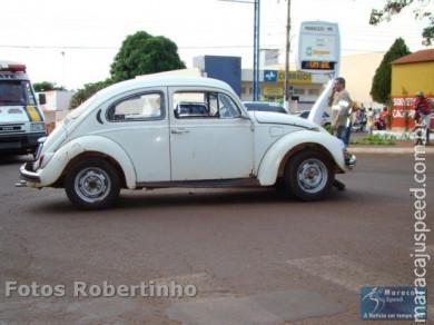 Colisão entre moto e carro no centro de Maracaju