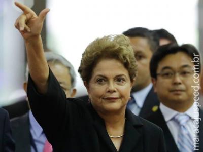 """Dilma afirma que não há crise """"da dimensão que alguns dizem"""""""