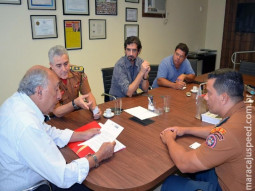 Campo Grande: Bombeiros pedem a senador apoio para construir torre de treinamento
