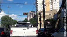 Com medo de acidentes, motoristas denunciam pane em sinaleiros