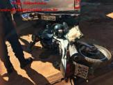 Maracaju: Motociclista faz graça empinando motocicleta e colidi com traseira da caminhonete Hilux estacionada