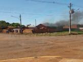 Maracaju: Bombeiros atendem de ocorrência de incêndio em residência na Vila Juquita. Filho de moradora foi autor do incêndio