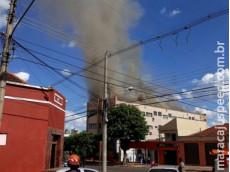Incêndio atinge hotel na região da antiga rodoviária da Capital