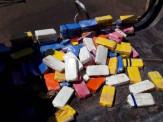 PRF apreende carreta com 130 kg de cocaína em fundo falso em Dourados/MS, carga foi carregada em Maracaju