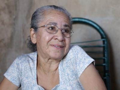 Depois do 65, Aparecida concilia netos, EJA, inglês e sonha chegar à faculdade