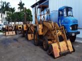Sanesul coloca à venda picapes, caminhões e retroescavadeiras