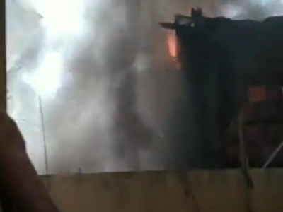Incêndio destrói casa que tinha depósito de materiais recicláveis em MS