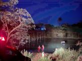 Bombeiros de Maracaju atuam no resgate do corpo de motorista que morreu afogado no Rio Vacaria, após veículo cair de cima de ponte