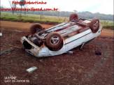 Maracaju: Condutor perde controle de veículo Gol em estrada vicinal, colidi com barranco e capota
