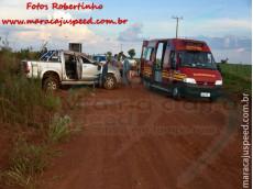 Maracaju: Corpo de Bombeiros atendem ocorrência de capotamento de caminhonete Hilux no trevo do Turvo