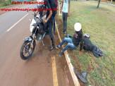 Maracaju: Jovens em motocicleta se empolgam com mulher que deu tchauzinho e colidem com meio fio na BR-267