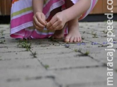 Criança de 6 anos conta na escola que era estuprada pelo pai que acaba preso