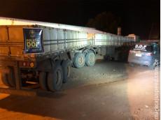 Maracaju: Carreta que seguia para o Mato Grosso com pneus contrabandeados do Paraguai foi apreendida pelo DOF