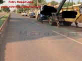Maracaju: Condutor destrói veículo após colidir com caçamba de entulho na Av. Mario Correa