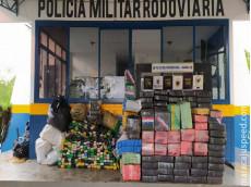 PMR APREENDE MAIS DE DUAS TONELADAS DE MACONHA E RECUPERA VEÍCULO ROUBADO