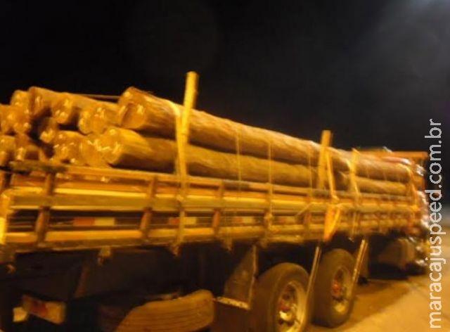 Caminhões são apreendidos com carga ilegal de aroeira e empresas multadas em R$ 47,7 mil