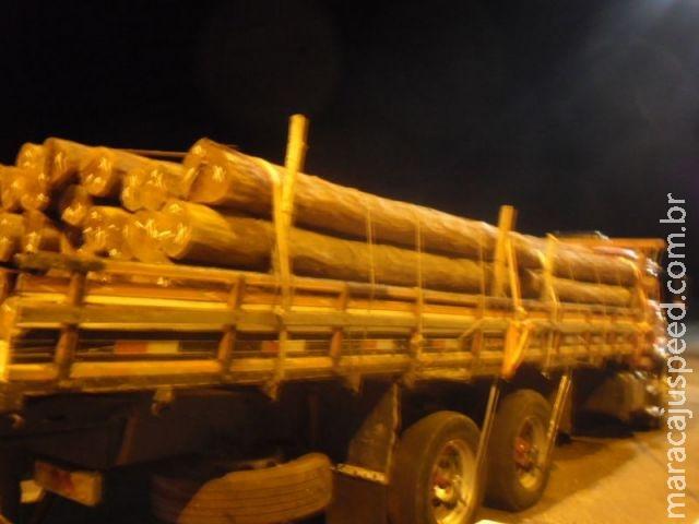 PMA apreende dois caminhões com cargas ilegais de aroeira e aplica multa de R$ 46,7 mil em duas empr
