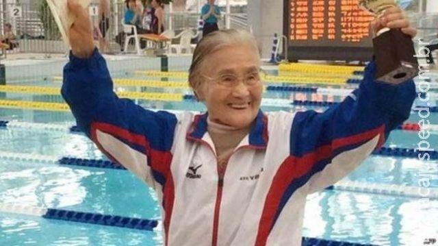 Japonesa bate recorde como primeira centenária a nadar 1.500m