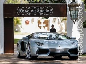 Carros de luxo apreendidos de Collor são de empresa da qual ele é sócio