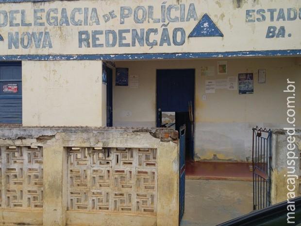 Jovens são presos após invadirem delegacia