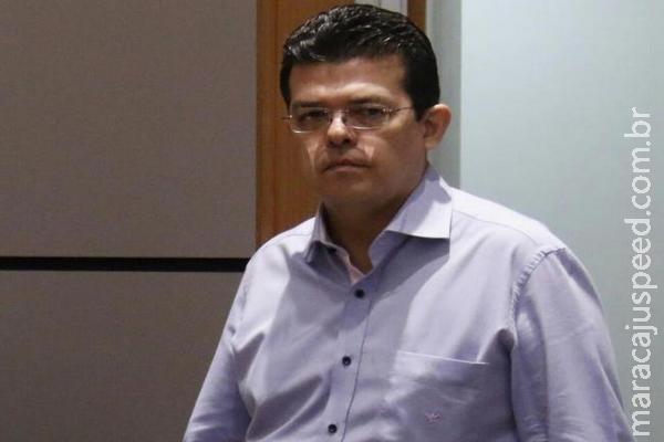 No TJ, Olarte diz que não tem necessidade de trocar chequinho de R$ 500