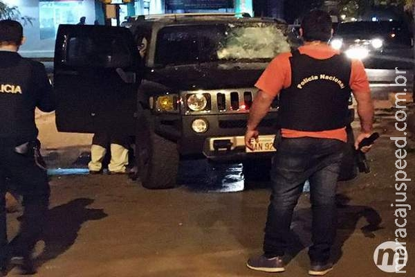 Câmera de segurança registra momento em que carro de Rafaat é atacado