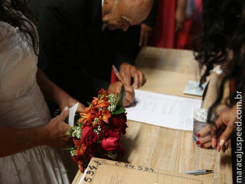 Projeto permite que cônjuges alterem regime de bens em cartório