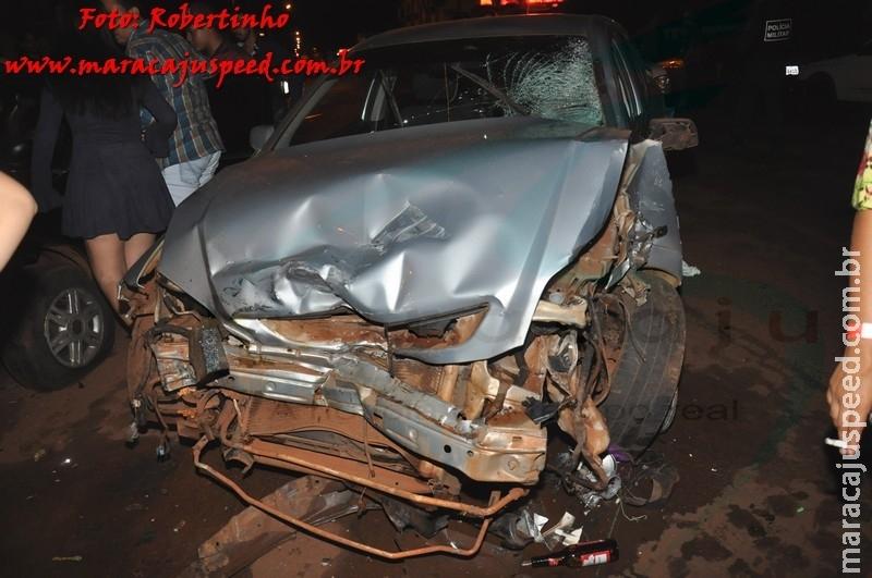Maracaju: Colisão frontal entre veículo e motocicleta, condutor menor tem múltiplas fraturas e outros 3 veículos são atingidos