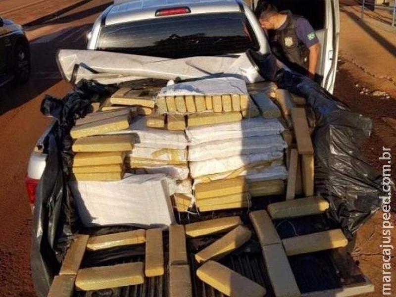 PRF apreende carga de 808 kg maconha em camionete