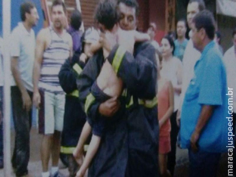Bombeiro de Maracaju é promovido por ato de bravura após salvar crianças de prédio em chamas
