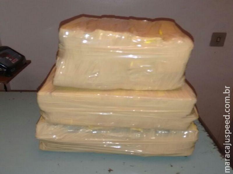 Mulher maracajuense é presa com mais de 11 kg de maconha e 19 gramas de pasta base de cocaína no interior de ônibus