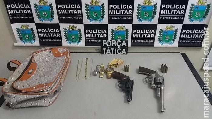 Dois jovens foram presos após, roubar joalheria