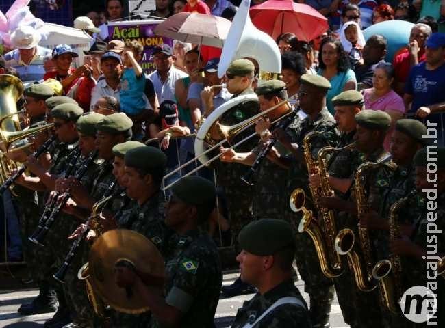 Desfile da Independência reúne 15 mil debaixo de sol forte em Campo Grande