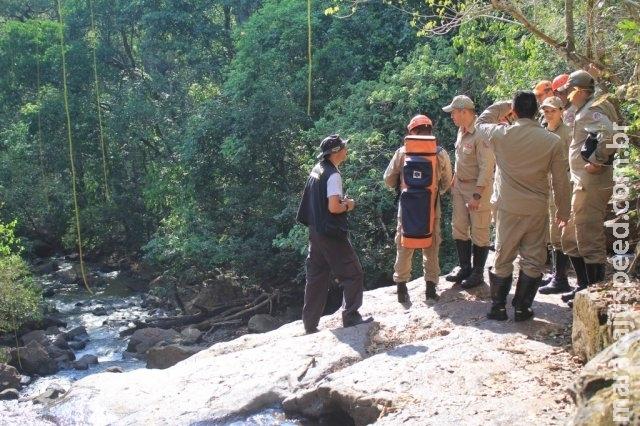 Homem achado morto em cachoeira havia desaparecido sexta, diz polícia
