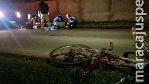Travesti e mais quatro cercam ciclista e o agridem durante a madrugada