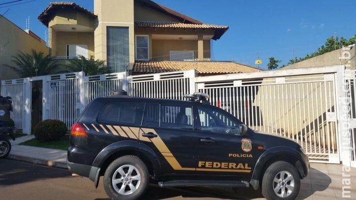 Polícia cumpre mandados em residência de suposto chefe de esquema de estelionato