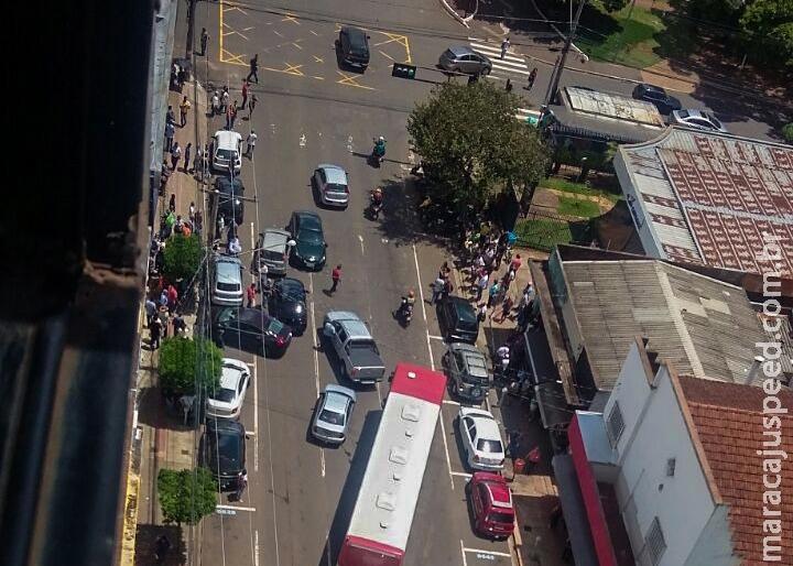 Tiroteio: trio de golpistas é preso ao tentar fugir pela contramão no Centro
