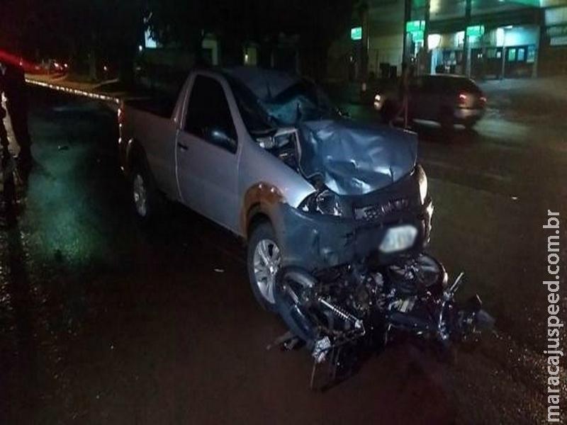 Idoso sofre acidente e é arremessado a 50 metros da moto
