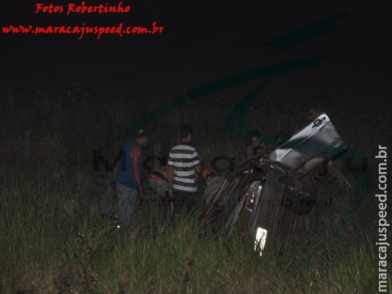 Maracaju: Bombeiros atendem ocorrência de capotamento na BR-267, com quatro vítimas, sendo que uma entrou em óbito no local