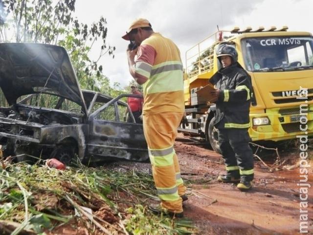 Carro usado em furto no Rita Vieira é encontrado pegando fogo em vicinal