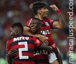 Flamengo e River Plate duelam pela primeira posição do grupo
