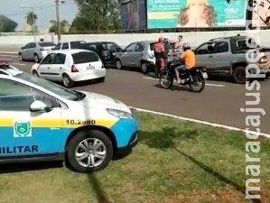 Grávida de nove meses fica ferida em acidente envolvendo 5 carros