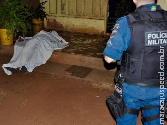 Pistoleiros invadem residência e matam jovem de 21 anos
