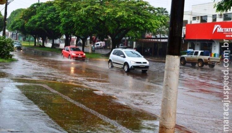 Chuvas fortes e ventos de 51 km/h em MS deixam Defesa Civil alerta para enchentes