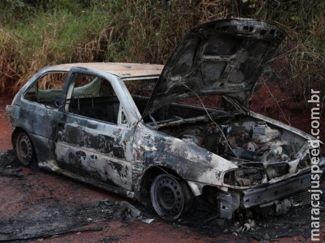 Incêndio em Gol em estrada vicinal do Itamaracá mobiliza bombeiros