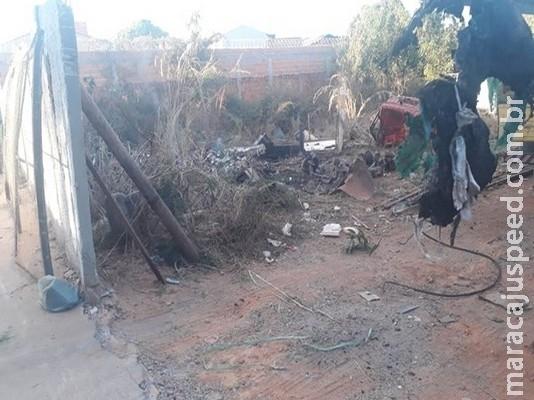 Fagulha de maçarico provoca incêndio em lote vago ao lado de depósito de gás