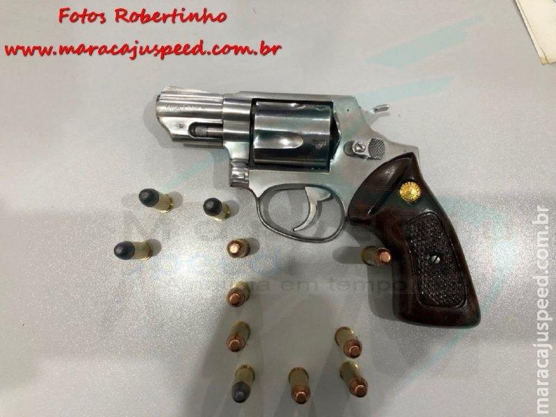 """Maracaju: Homem é preso pela Polícia Militar por """"Posse Irregular de Arma de Fogo de Uso Permitido"""" após esposa denuncia-lo por ameaça (violência doméstica)"""