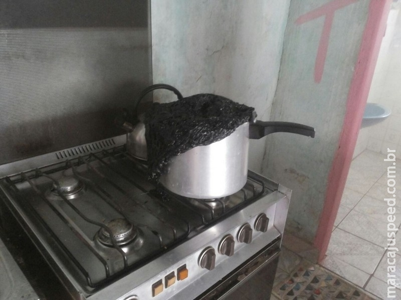 Panela esquecida no fogo causa princípio de incêndio em residência de MS