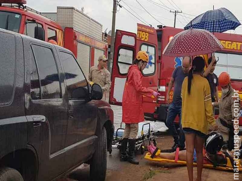 Acidente com motocicleta e viatura descaracterizada da Policia Civil deixa dois feridos