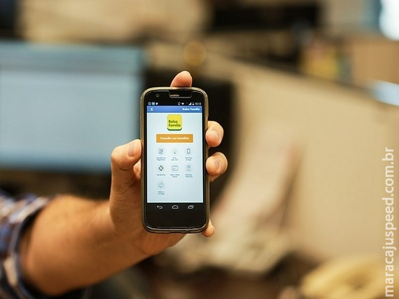 Beneficiário do Bolsa Família pode acessar informações pelo celular